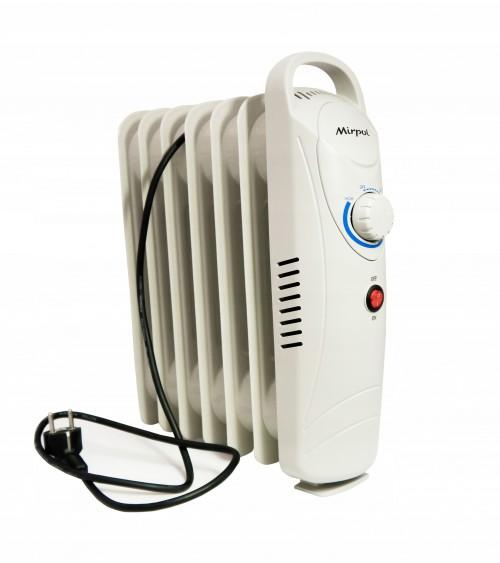 Malý elektrický mobilní radiátor v bílé barvě