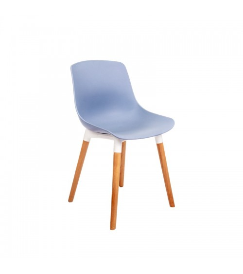Modrá jídelní židle s dřevěnými nohami