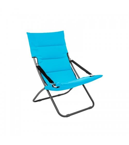 Modré zahradní lehátko s pohodlným sedákem je skládací a proto je můžete snadno přepravit.