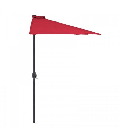Červený slunečník s půlkruhem je ideální pro malé plochy.